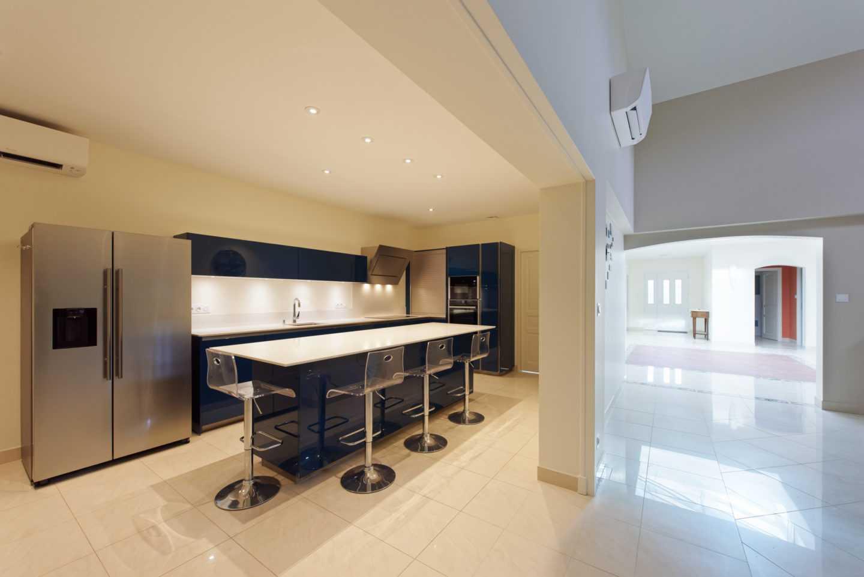 Cuisine maison luxueuse entièrement rénovée par Frédérique Bargeas